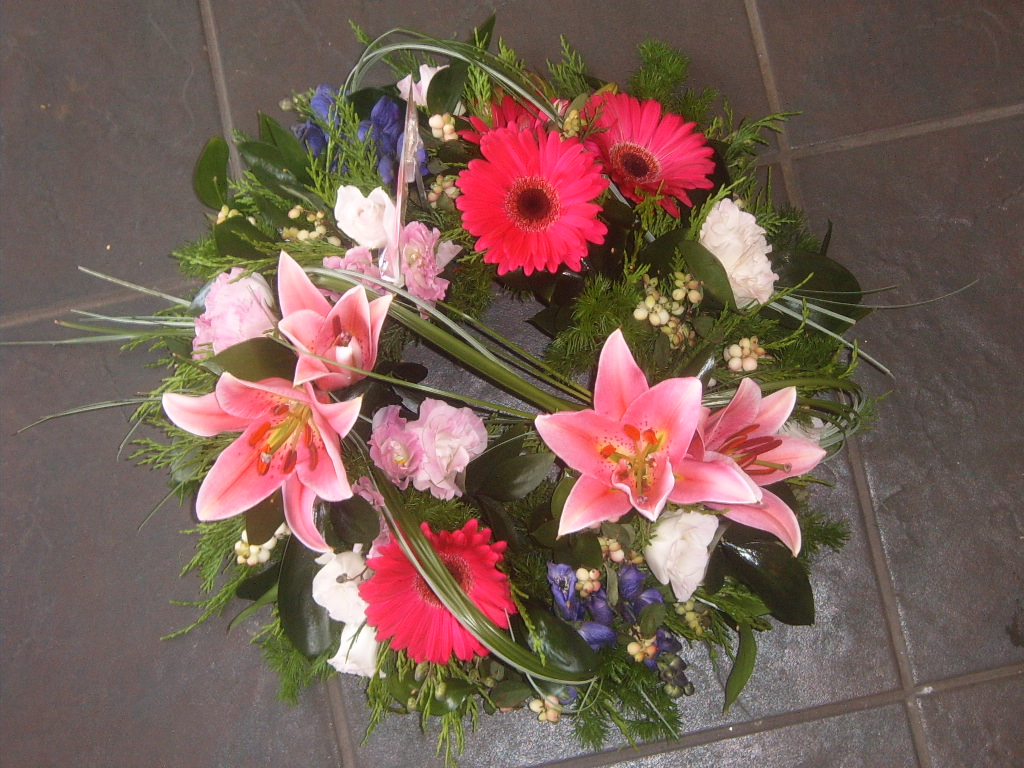 Funeral Flowers Hartlepool 01429 287306 Platinum Flowers